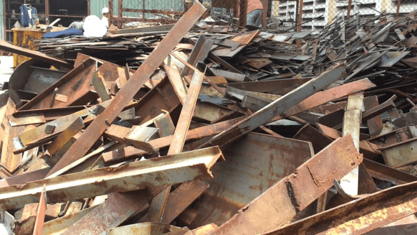 Giá sắt phế liệu tại miền Nam
